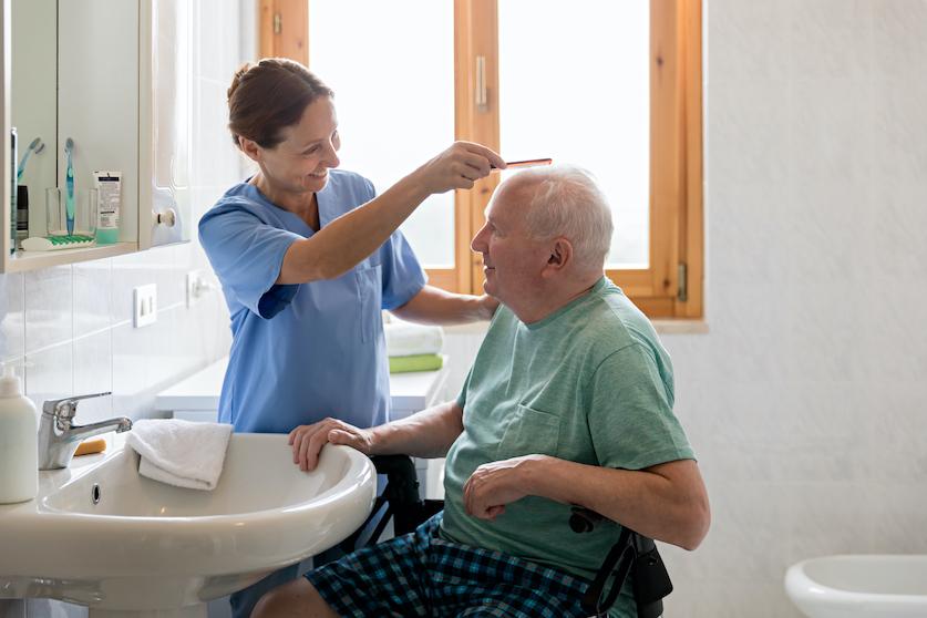 soins infirmiers à domicile personnes agees